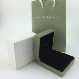 Ordinary Van Cleef & Arpels Ring and Earrings Box (Box and Shopping Bag)